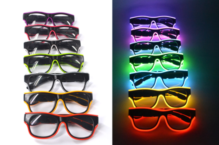 Picture of Wire Light Glasses Green